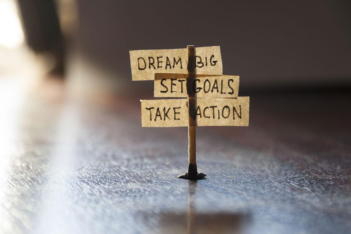 dream-big-set-goals-image